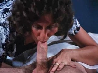 Linda lovelace doing a blowjob in the movie deep throat
